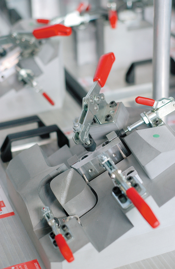 Toggle clamps in use
